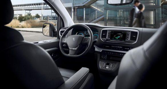 PEUGEOT e-TRAVELLER interior