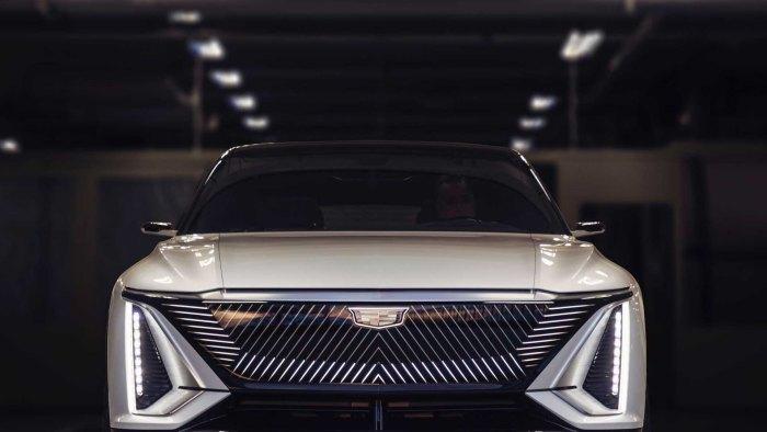 Cadillac Lyriq grila