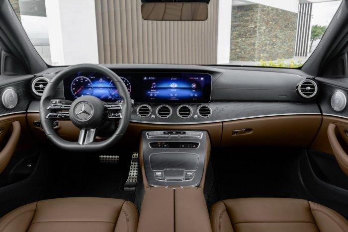 Clasa E facelift interior