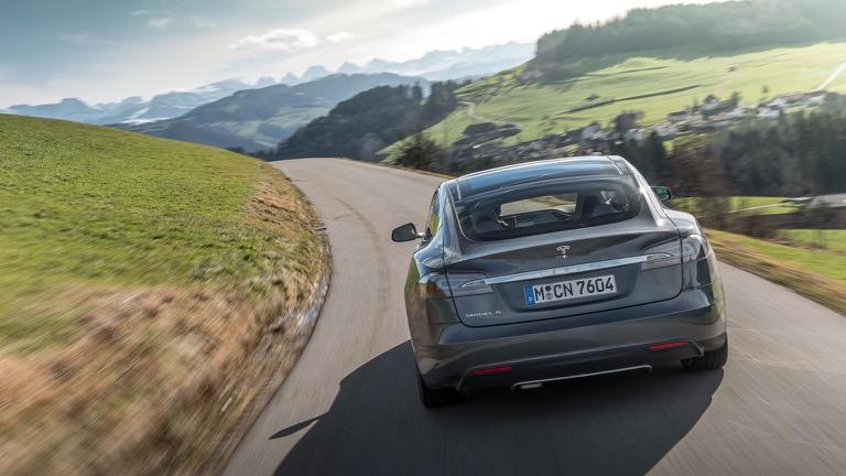 Tesla Model S masini Tesla prin Rabla Plus