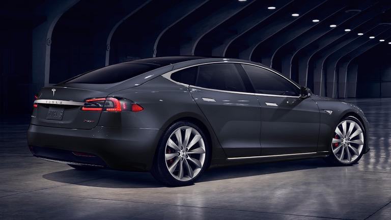 Tesla Model S spate