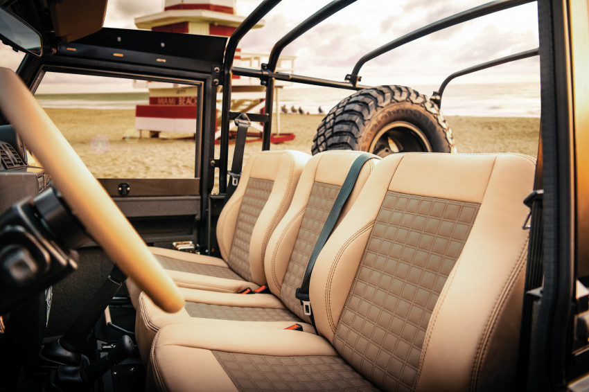 interior Land Rover Defender electric