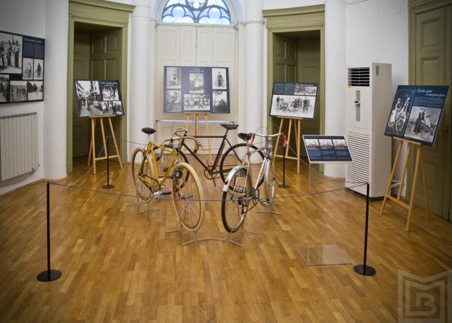 muzeul municipiului bucuresti biciclete